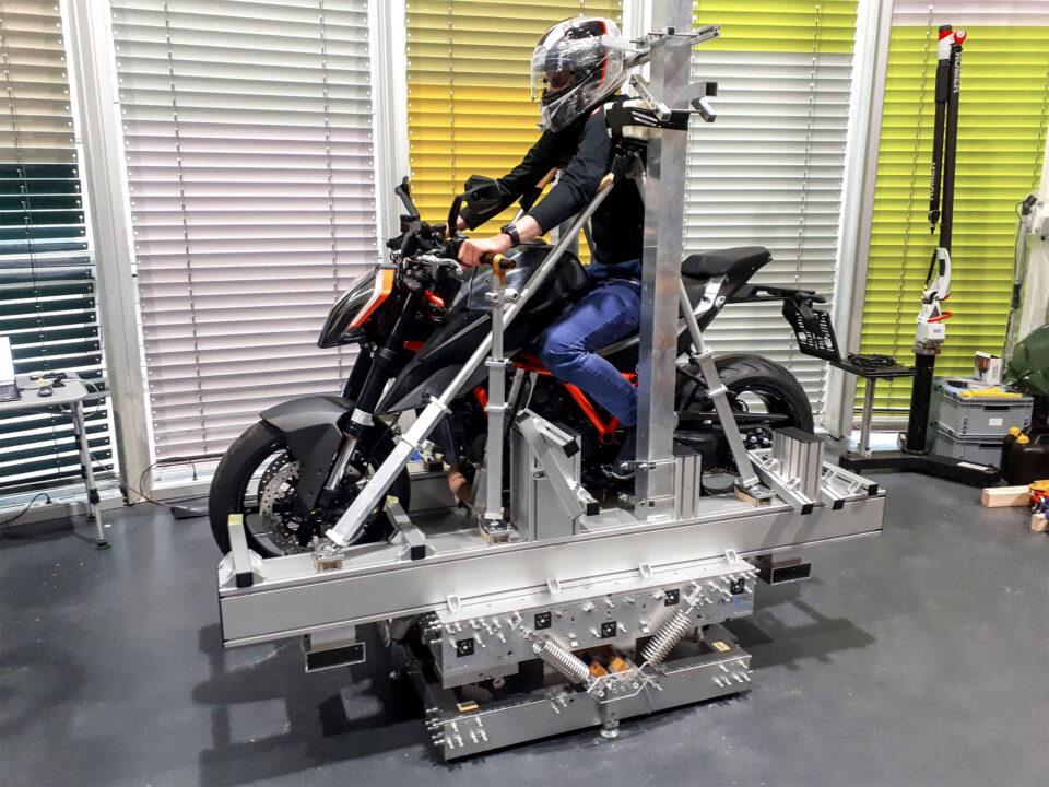 measure-center-of-gravity-COG-coordinates-moment-of-inertia-MOI-motorbike